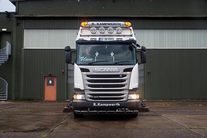Kehrwagen vorne   R. Kampwerth GmbH